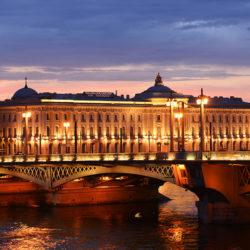 Санкт-Петербург на майские праздники 2021: как добраться, погода, экскурсии, отзывы