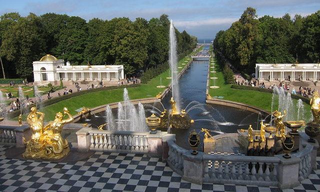 Большой каскад фонтанов