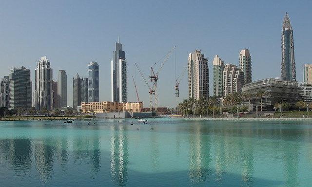 Залив с видом на Дубай Молл