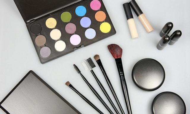 Средства для создания макияжа
