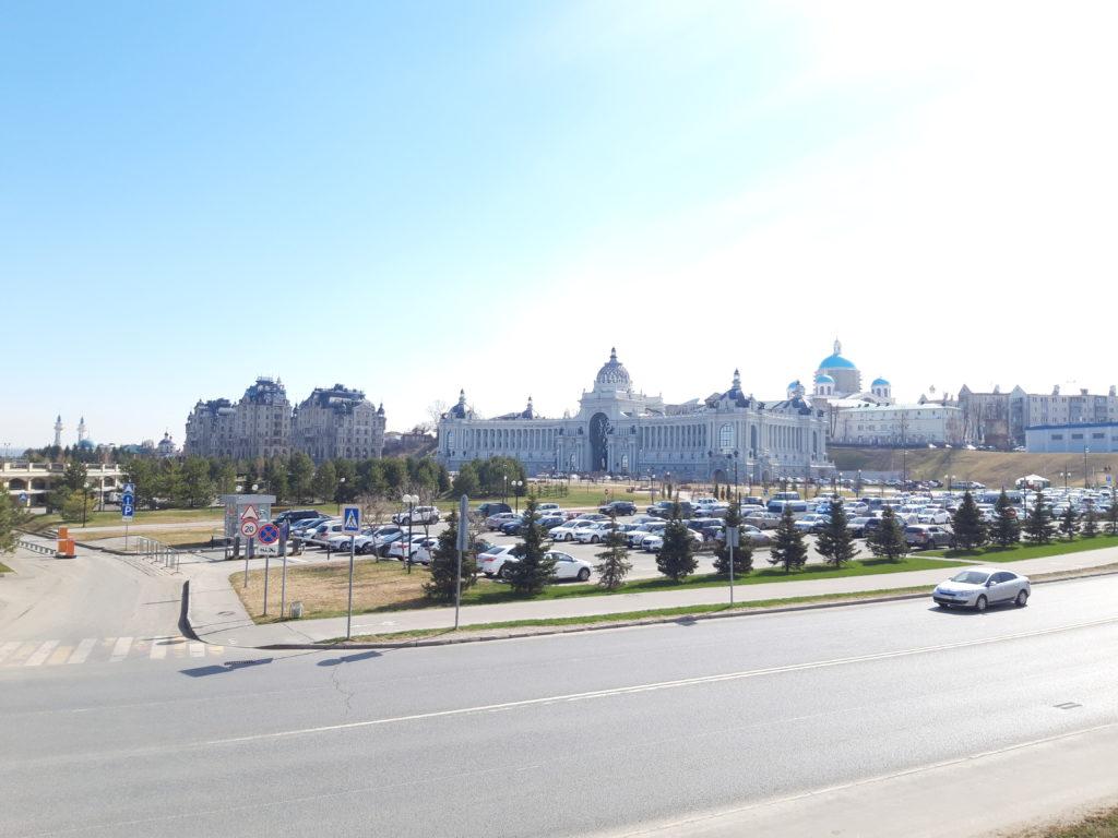Дворец Земледельцев и Дворцая площадь в Казани/Loratravels