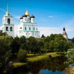 Топ-20 экскурсий в Пскове 2021: Пушкинские горы, Изборск, Печоры